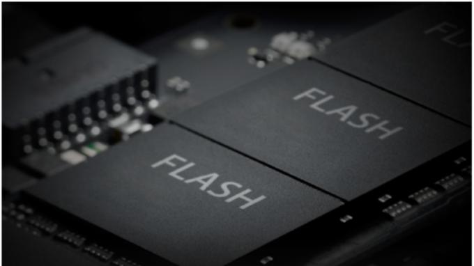記憶體市場:NAND Flash漲幅創兩年半新高 DRAM跌勢趨緩  (圖片:AFP)