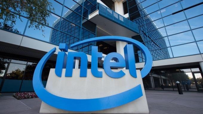 英特爾宣步停產初代10奈米迷你電腦 僅存活1年多(圖:AFP)