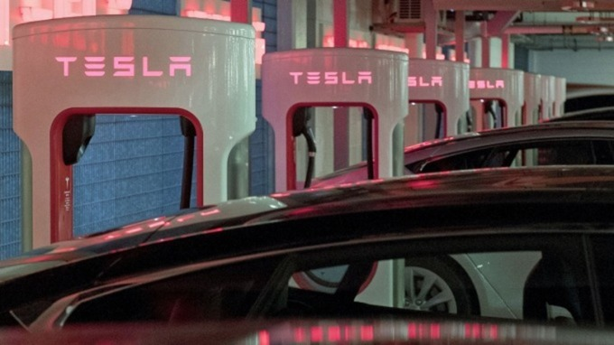 神速!特斯拉上海工廠建廠不到一年即能交車(圖片:AFP)