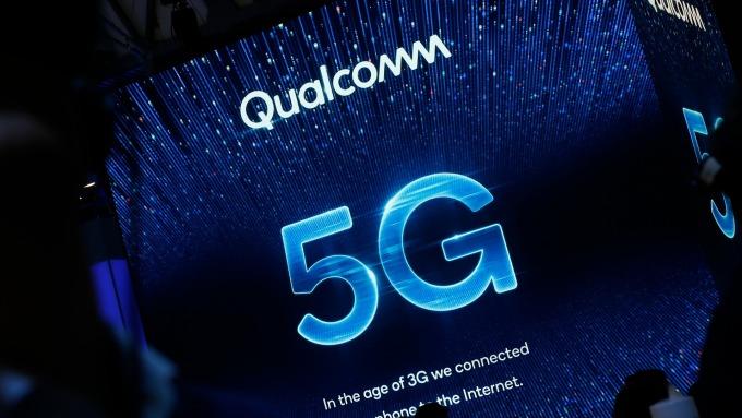 分析師看好5G晶片需求 上調高通股票評級(圖片:AFP)