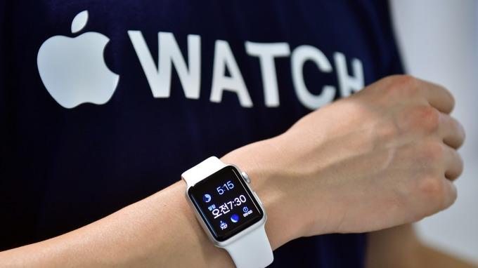 日媒:JDI將於月底前生產Apple Watch用OLED面板 (圖片:AFP)