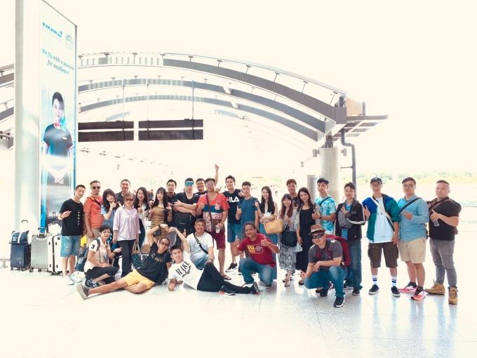 永慶不動產台中美村高工加盟店開店第4個月,就犒賞全店25人,免費暢遊菲律賓薄荷島。