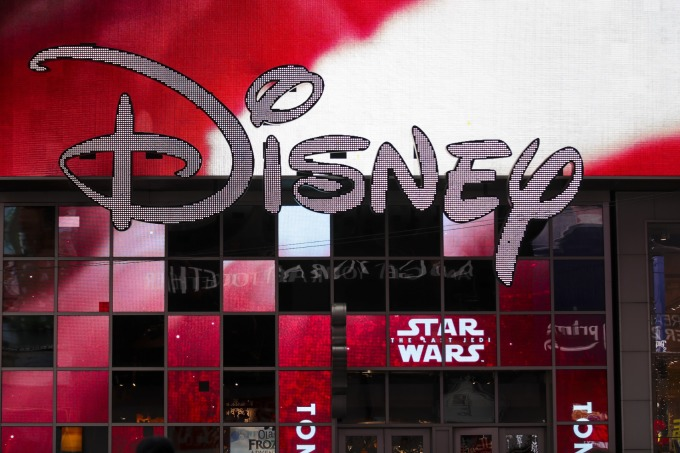 迪士尼財報優於預期,週五其股價開紅漲近 3.8%。(圖片:AFP)