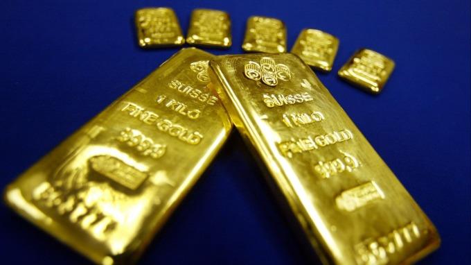 貴金屬盤後—黃金再走跌 本週跌幅2年半以來最大(圖片:AFP)