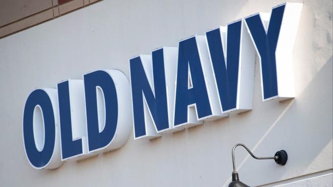 Gap CEO意外下台 Old Navy分拆計劃恐變生變?(圖:AFP)