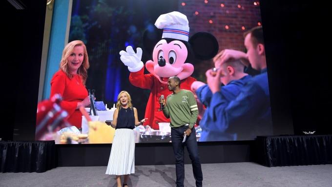 獲利下降無妨 串流影視戰將開打 迪士尼再樂漲近4%(圖片:AFP)