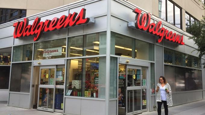 若Walgreens真的私有化下市 其道瓊成份股地位該由誰來遞補?(圖:AFP)