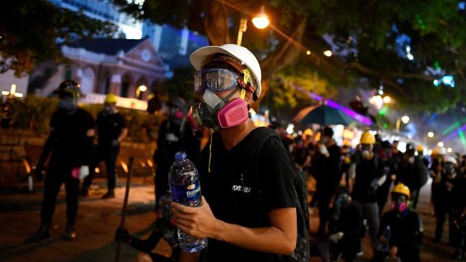 香港示威升級 「港資外移」詢問度增加(圖片:AFP)
