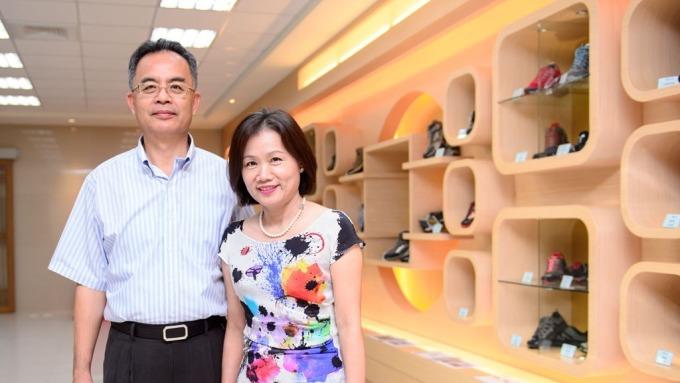 鈺齊董事長林文智(左)及總經理廖芳祝(右)。(圖:鈺齊提供)