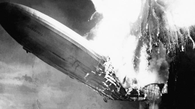 技術面出利空訊號:那指同時出現興登堡凶兆、鐵達尼症候群(圖:AFP)