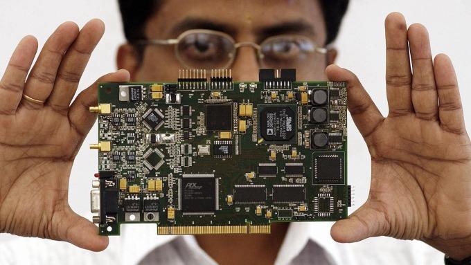 IC設計新創NUVIA完成A輪融資 目標瞄準英特爾、超微 (圖:AFP)