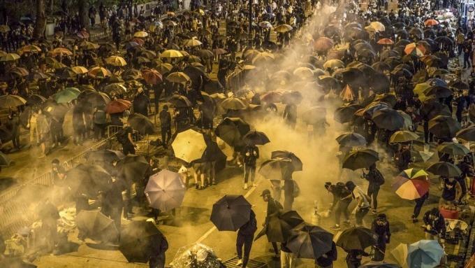 川普預計將不顧中國警告 簽署支持香港法案(圖片:AFP)