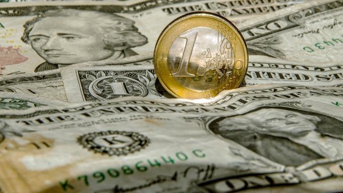 預期歐元經濟表現回升 大摩看好歐元兌美元明年轉強 (圖片:AFP)