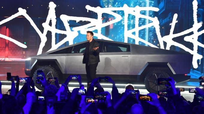 特斯拉推出首款純電動皮卡車Cybertruck 定價3.99萬美元(圖片:AFP)