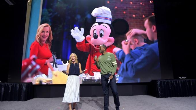 大眾仍繼續下載Netflix!野村證券:Disney+沒產生巨大衝擊 這不是零和遊戲(圖片:AFP)