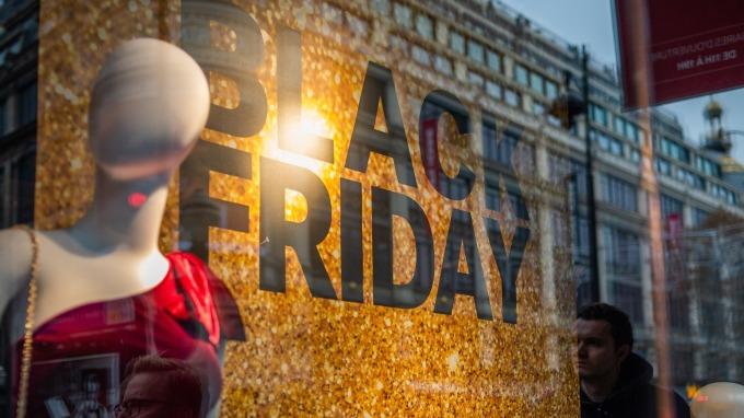 「黑色星期五」本週登場 零售股成敗在此一舉(圖:AFP)