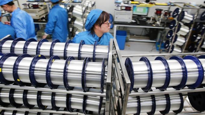 崇越電客戶遞延訂單發酵+原物料價格回穩 明年優今年。(圖:AFP)