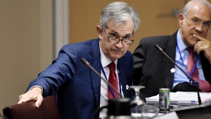 鮑爾暗示利率維持不變 堅持 2%通膨目標 (圖片:AFP)