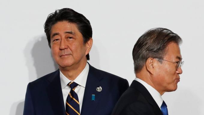 〈鉅亨看世界〉在日韓掀起波瀾的暢銷書 (圖片:AFP)