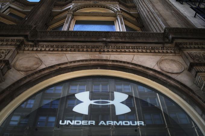 投行 Raymond James 上調 Under Armour 評級,週三其股價大漲逾 6%。(圖片:AFP)