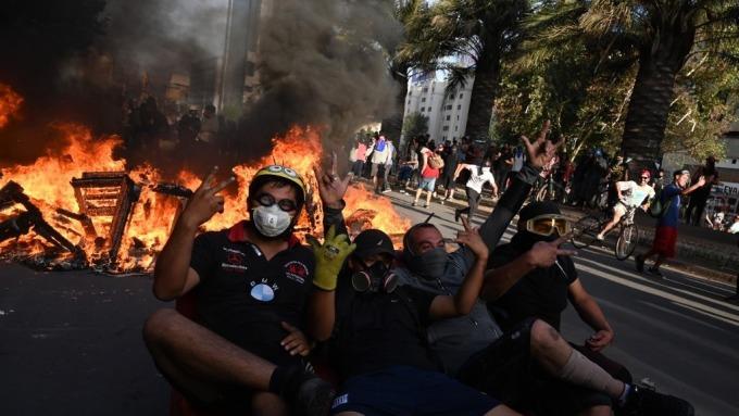 智利披索連兩日創新低 央行宣布將干預外匯市場(圖片:AFP)