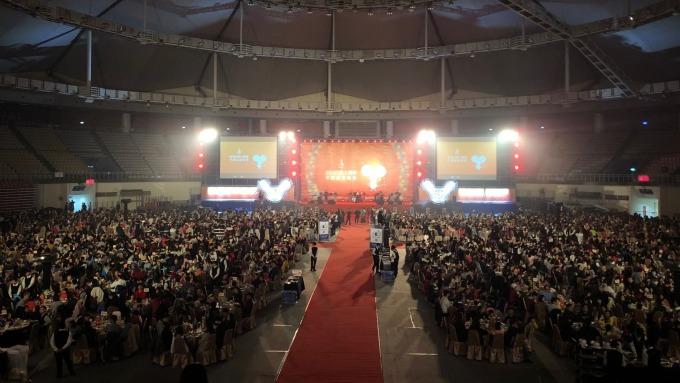 桃大機構年終感恩餐會席開300桌,宣布2020首度在青埔推案。(圖/廖一德攝)
