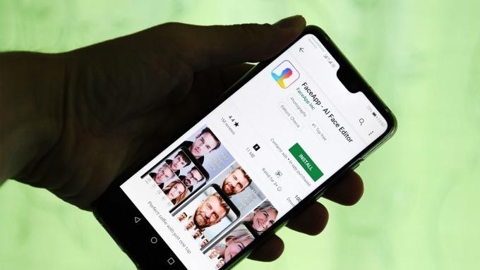 普丁簽署「反蘋果法」 智慧手機須預裝俄羅斯軟體 否則禁售(圖:AFP)