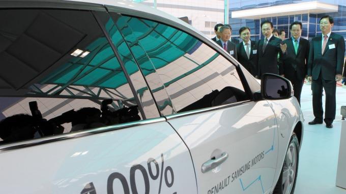 傳LG化學偕通用汽車建立電動車電池合資工廠 投資額逾9億美元  (圖:AFP)