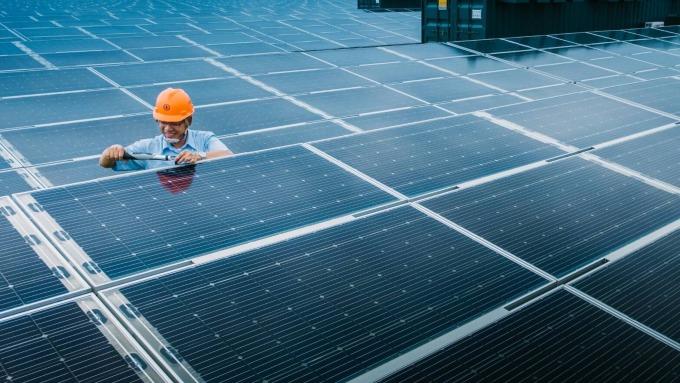 經部預告 明年度太陽光電躉購費率降幅0.34-2.44%。(圖:台電提供)