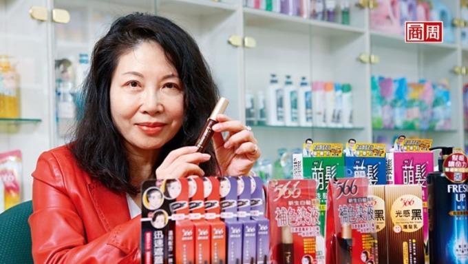 耐斯營運長邱玟諦透露,566這次在天貓熱賣的,其實是靠網路數據算出來的染髮筆。(圖片:商業周刊)