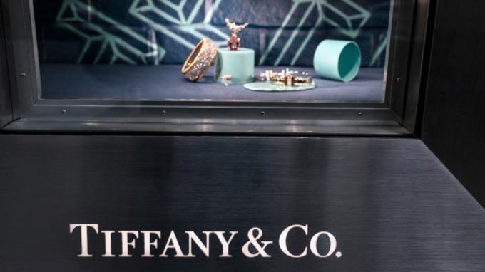 豪砸4900億併購營運下滑的Tiffany 揭開LV母公司的3個盤算。(圖片:AFP)