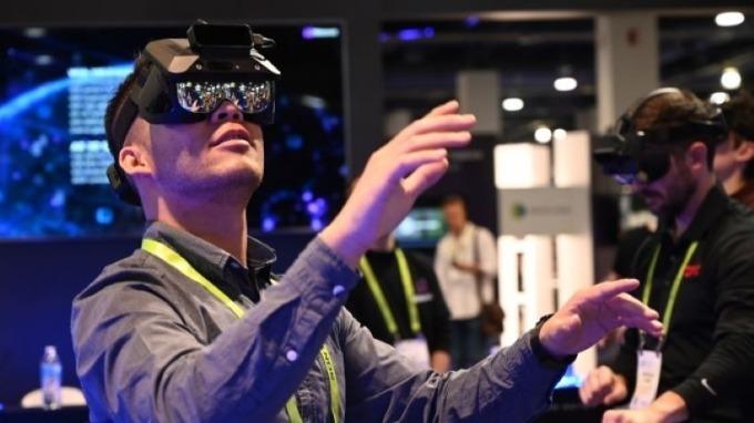 智能眼鏡未來有望取代手機?蘋果等巨頭紛紛加入競爭  (圖片:AFP)