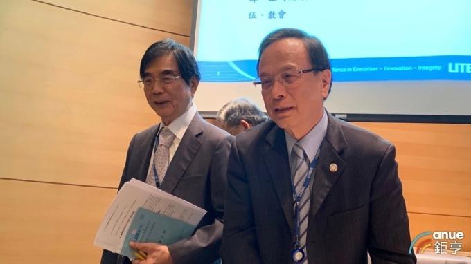 左起為光寶集團董事長宋恭源、副董事長暨總執行長陳廣中。(鉅亨網資料照)