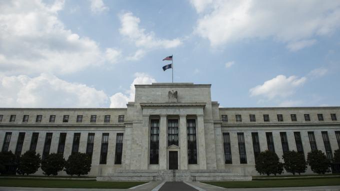 Fed 一如預期按兵不動 點陣圖預估2020年維持利率不變  (圖片:AFP)