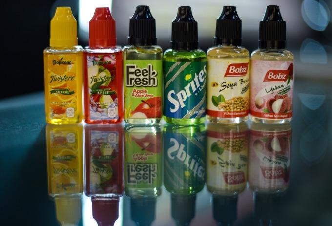 各式煙油產品 (圖片:AFP)