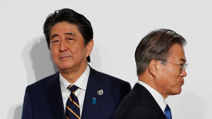 日韓展開政策對談 南韓或能重回「貿易白名單」? (圖片:AFP)