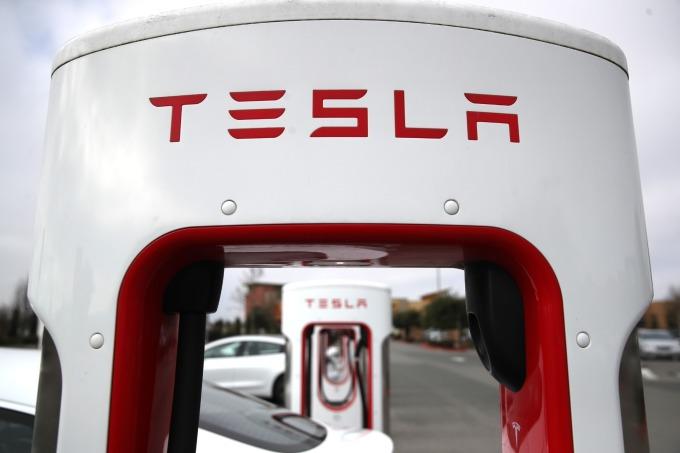 瑞士信貸認為特斯拉在軟體和電氣化 (電池研發) 方面領先群雄。(圖片:AFP)