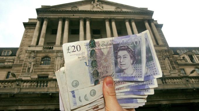 強生有意修法、英國無協議脫歐風險上升 英鎊急跌  (圖:AFP)