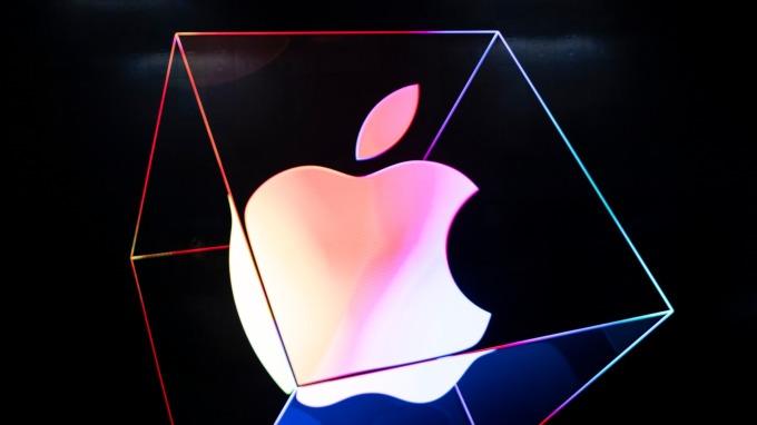 蘋果取得新專利:新iPhone可望搭載屏下Touch ID (圖片:AFP)