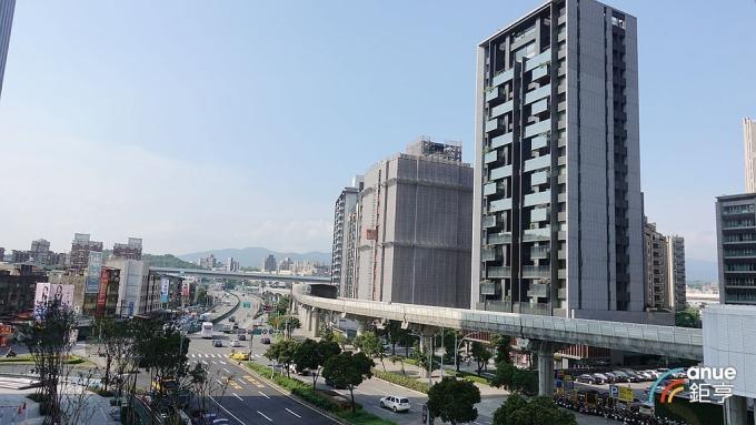 北台灣待售建案數量再創新高,市場仍存競爭壓力。(鉅亨網記者張欽發攝)