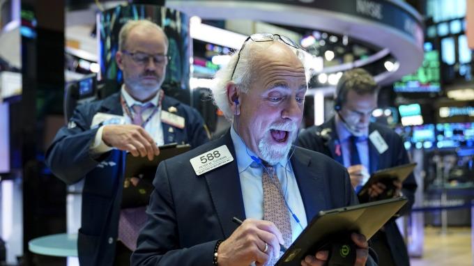 美股盤後 — 波音換血特斯拉飛天推波助瀾 美股再創巔峰。(圖片:AFP)