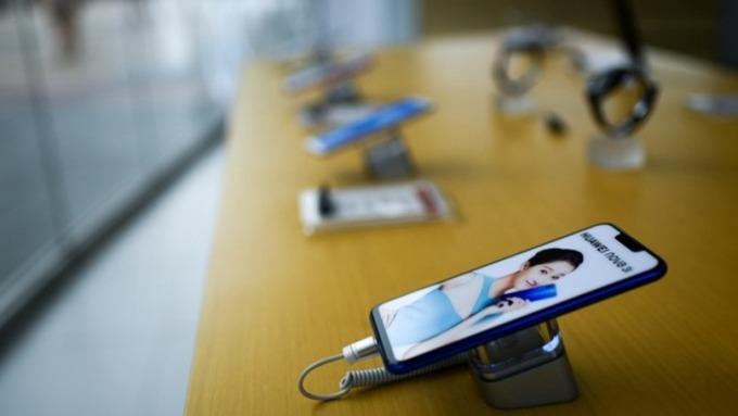 蘋果和夏普考慮接手JDI白山工廠 金額700億~800億日圓(圖片:AFP)