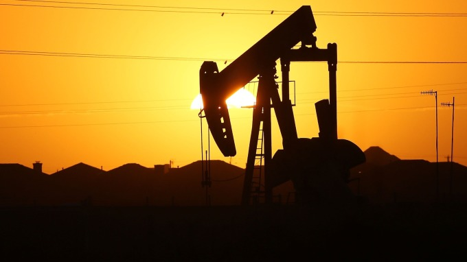 能源盤後—新年在即 原油連4日漲勢止步 小幅收低(圖片:AFP)