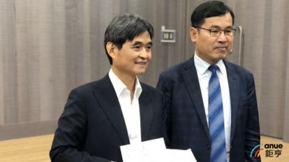左為文曄董事長鄭文宗。(鉅亨網資料照)