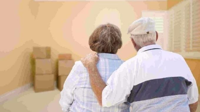退休理財方案只靠一套做法仍不夠,而是要涵蓋人生各階段目標,才能樂退。(圖:AFP)