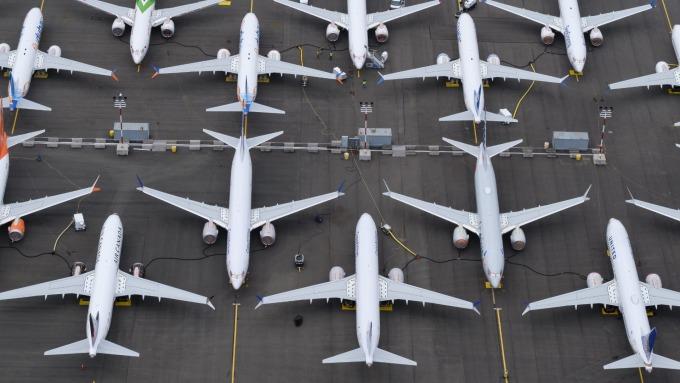 美軍空襲後 航空股因應高油價而趴倒 專家:正是進場撈便宜的時機!(圖片:AFP)