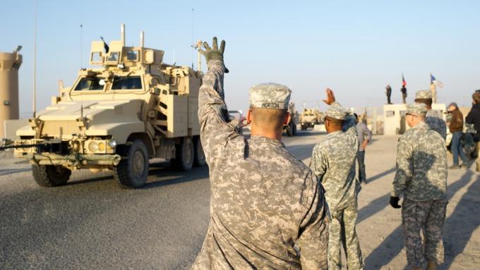 伊拉克國會要求美軍離境 美國務卿:我們會留下來(圖:AFP)