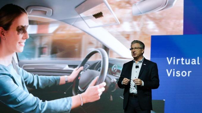 德國博世展出虛擬遮陽板 2025年全產品搭載AI技術 (圖片:AFP)