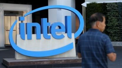 英特爾、臉書合作開發AI晶片 加入輝達與亞馬遜競爭 (圖片:AFP)