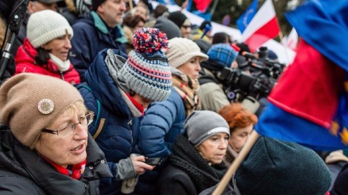 通膨意外飆高 波蘭央行五年來「凍息」基調備受考驗。(圖:AFP)